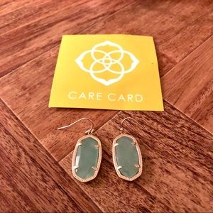 NWOT Kendra Scott Mint w/Gold frame Earrings